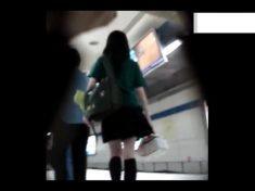 在捷運偷拍北一女裙底 制服就是王道