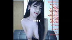 跟著韓國女主播跳早操