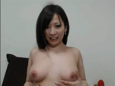 日本女主播露出下體,在用按摩棒自慰